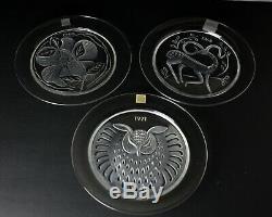 3 Cristal Lalique Plates 1966 Rose Du Songerie 1968 Gazelle Fantasie 1971 Hibou