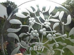 Superb Lalique crystal plate mistletoe signed